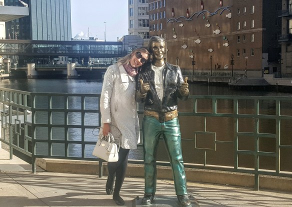 Bronze Fonz Milwaukee riverwalk Wisconsin